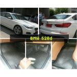 ยางปูพื้นรถยนต์ BMW 520d กระดุมดำขอบดำเต็มคัน Full Set