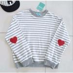 เสื้อยืดแขนยาว Korea สีขาว มีรูปหัวใจตรงแขน
